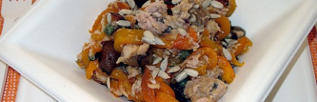 Antipasto di peperoni, cipolline e tonno in agrodolce