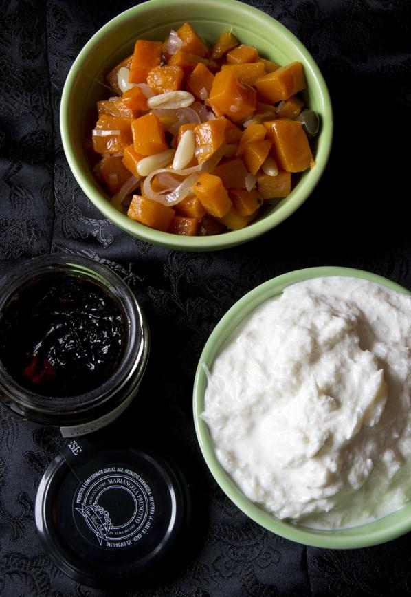 Cannoli di ceci, baccalà mantecato, caponata di zucca e gelatina di aceto balsamico prunotto 2