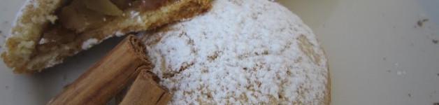 Biscotti ripieni di mela, cannella e crema di marroni